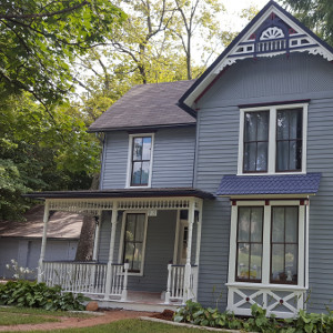 Professional Exterior Home Painting Services Lawrence, KS-Absolute Painting